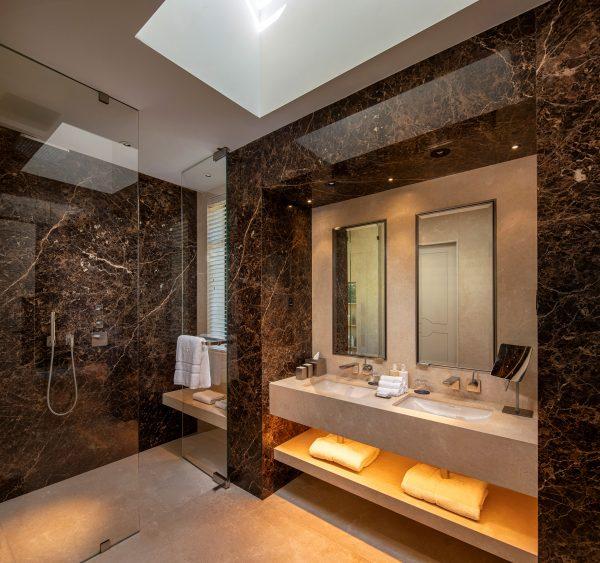 A Superior Lodge bathroom
