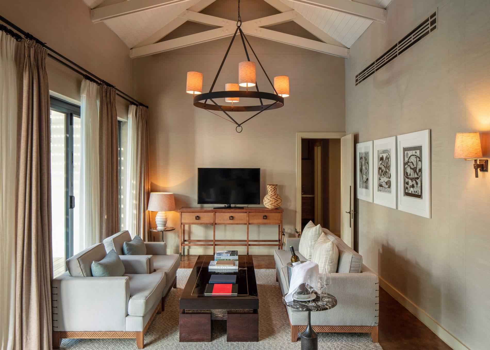 Presidential Lodge 2 Living Room